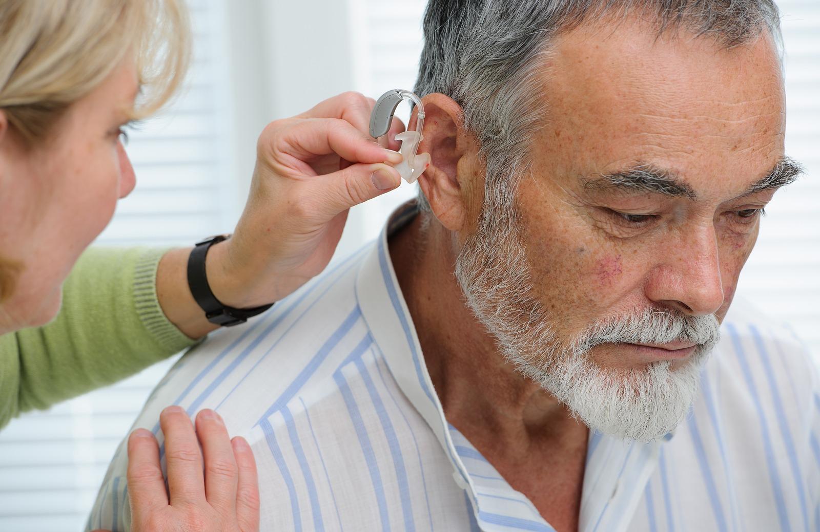 Consultas são essenciais para descobrir o melhor aparelho auditivo