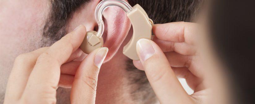 Qual é o valor de um aparelho auditivo no mercado?